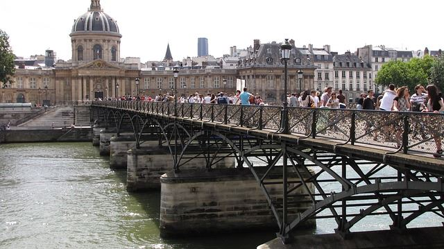 bridge-408609_640_R